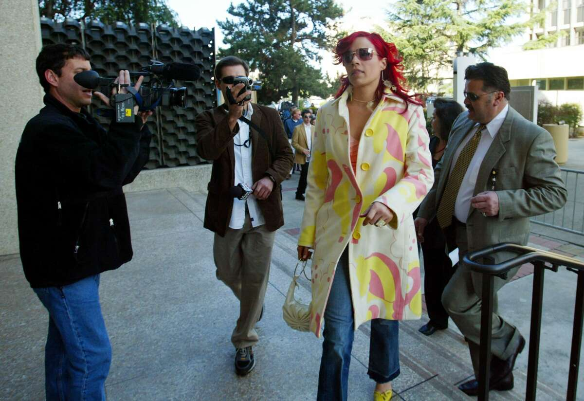Juror Richelle Nice arrives at the Redwood City courthouse on March 16, 2005, for the formal sentencing of Scott Peterson.
