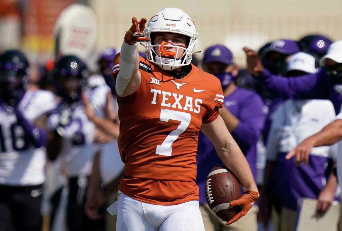 Jake Smith has 14 catches for 133 yards and two touchdowns in three games for Texas this season.