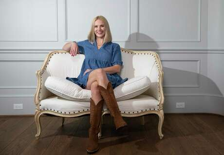 Lizzy Chesnut Bentley founded City Boots because of her love for colorful, feminine boots.