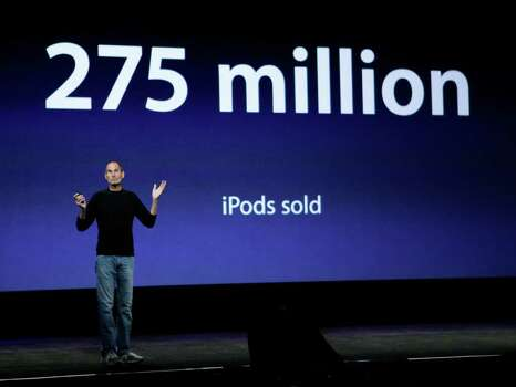 Apple CEO Steve Jobs announces how many iPods have been sold, during a news conference in San Francisco, Wednesday, Sept. 1, 2010. (AP Photo/Paul Sakuma) Photo: Paul Sakuma / AP
