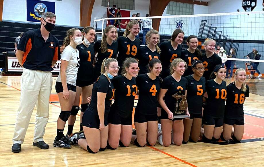 The Ubly varsity volleyball team pushed past North Huron in four sets on Thursday night to win a second-straight district championship. The Bearcats won, 25-10, 25-11, 23-25, 25-18. Photo: Mark Birdsall Huron Daily Tribune