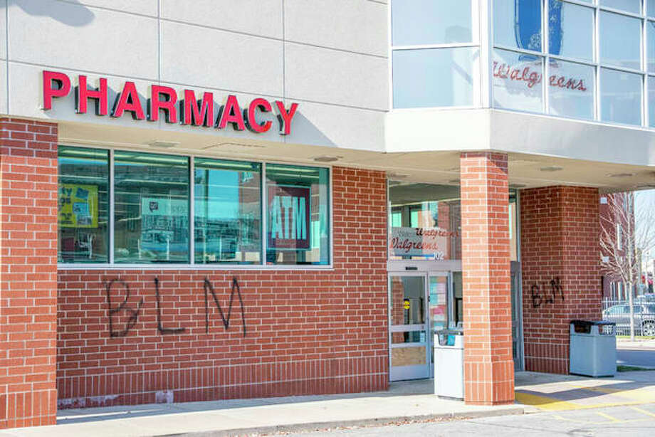 Walgreens' Edwardsville location was defaced Thursday night. Photo: Tyler Pletsch | The Intelligencer
