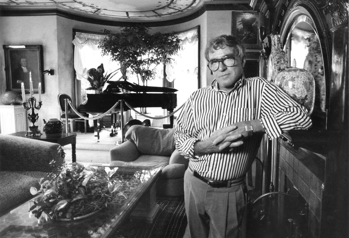 Robert Pritikin the owner of the Mansion Hotel, at 2220 Sacramento St., in the west wing parlor, April 29, 1991 Pritikin is at odds with the Pacific Heights Neighborhood Association Photo ran May 1, 1991, p. B3