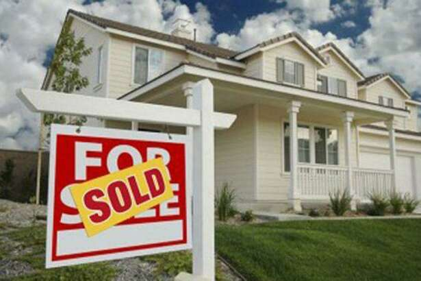 Wilton real estate ends December, and begins January with 10 sales.