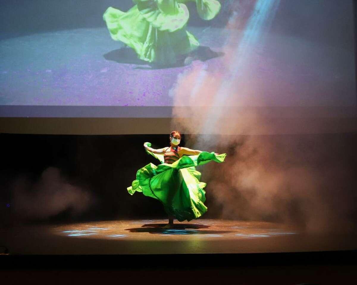 Las familias neolaredenses podrán disfrutar desde casa, obras de teatro, clases de danza, homenajes musicales, cuentos y diversas lecturas