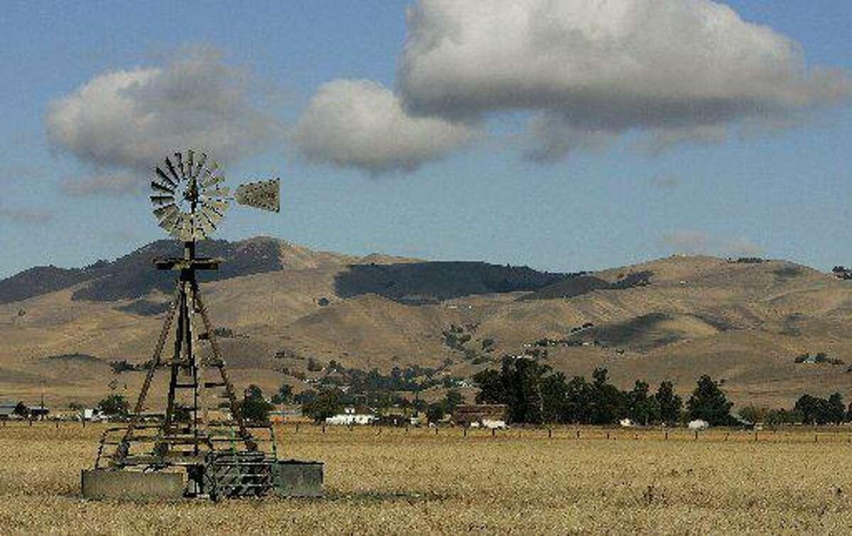 A windmill on farmland in unincorporated Alameda County near Livermore in 2005.