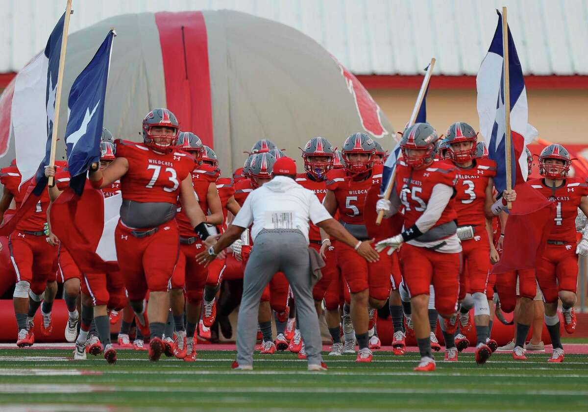 Splendora clinched its second playoff berth in three years on Friday night with 30-0 victory over Little Cypress-Mauriceville.
