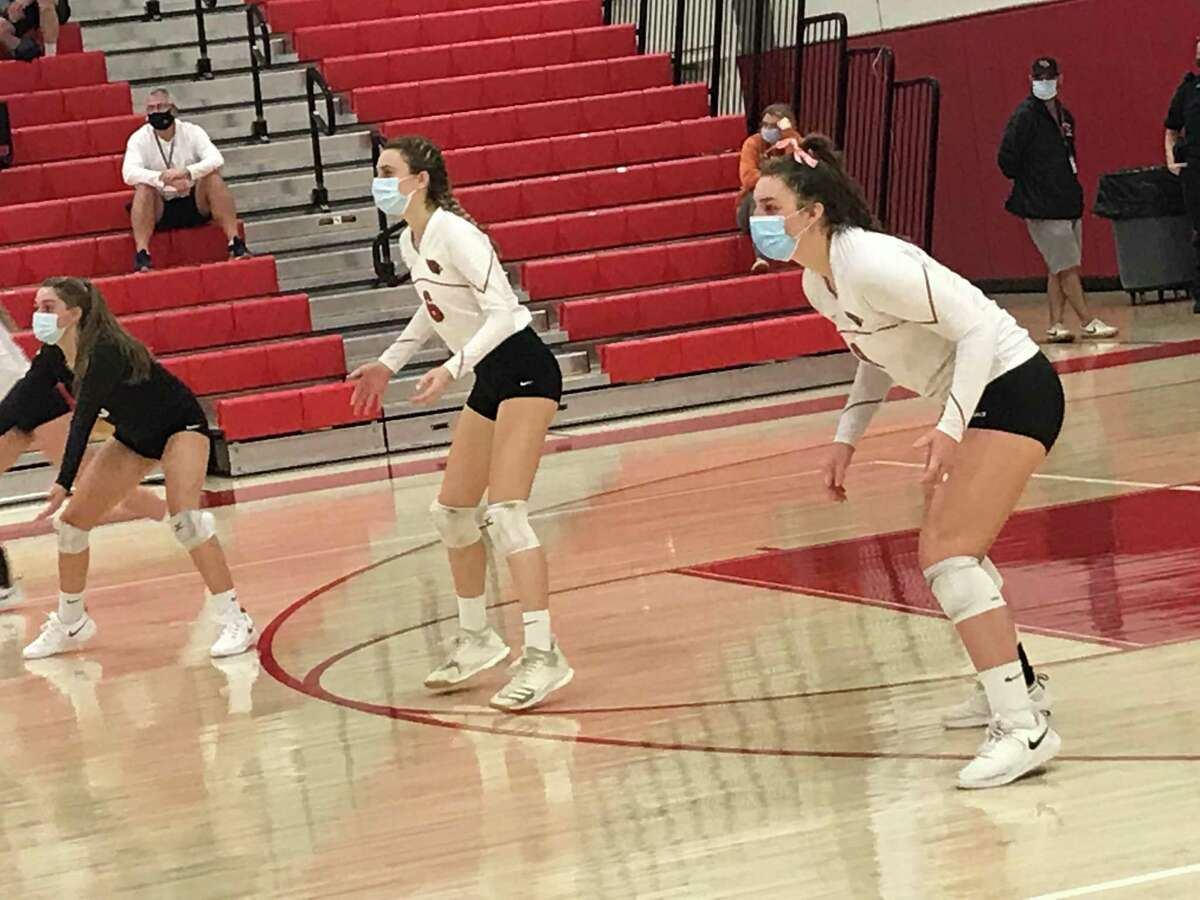 The Greenwich High School girls volleyball team defeated New Canaan to advance to the FCIAC West Region finals.