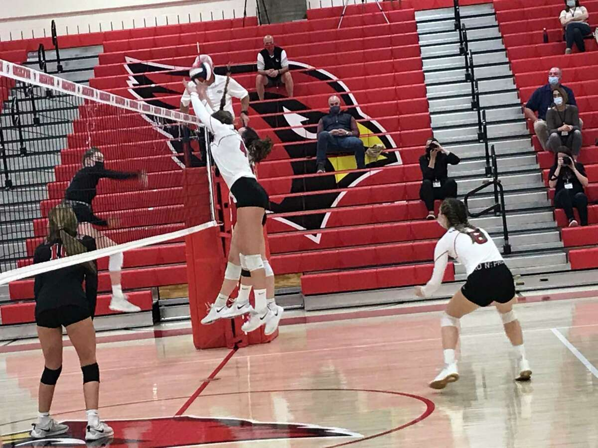 The Greenwich High School girls volleyball team defeated New Canaan to advance to the FCIAC West Region finals