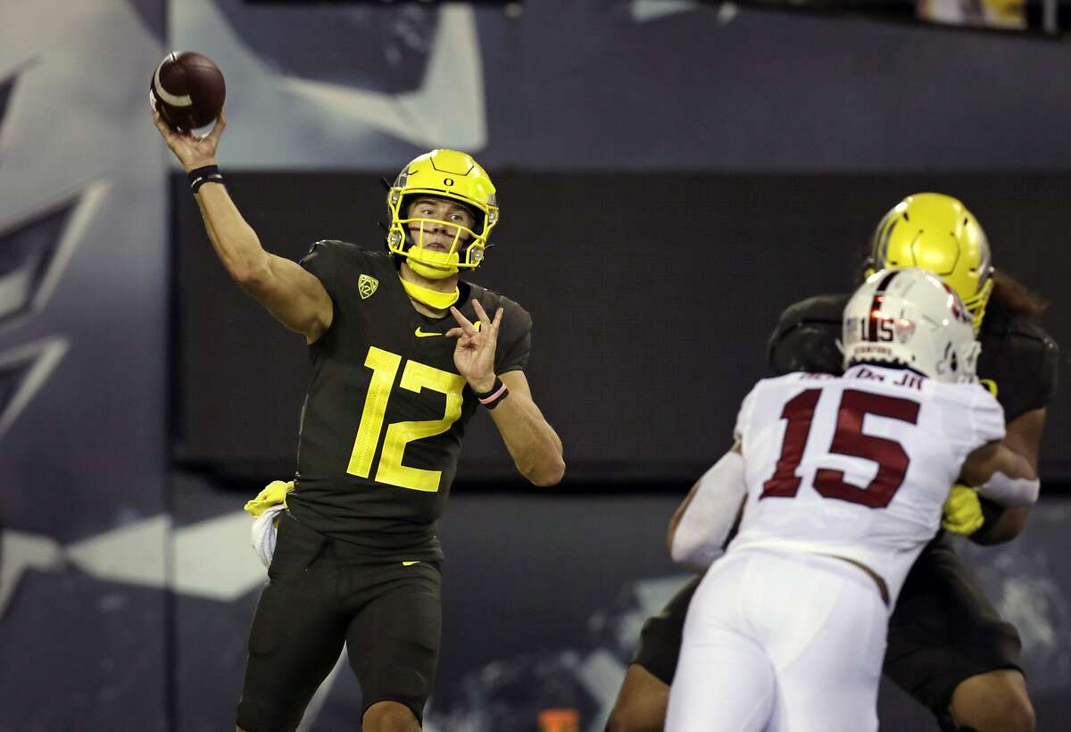 Tyler Shough, who replaced NFL starter Justin Herbert as Oregon's quarterback, throws against Stanford in the second quarter.
