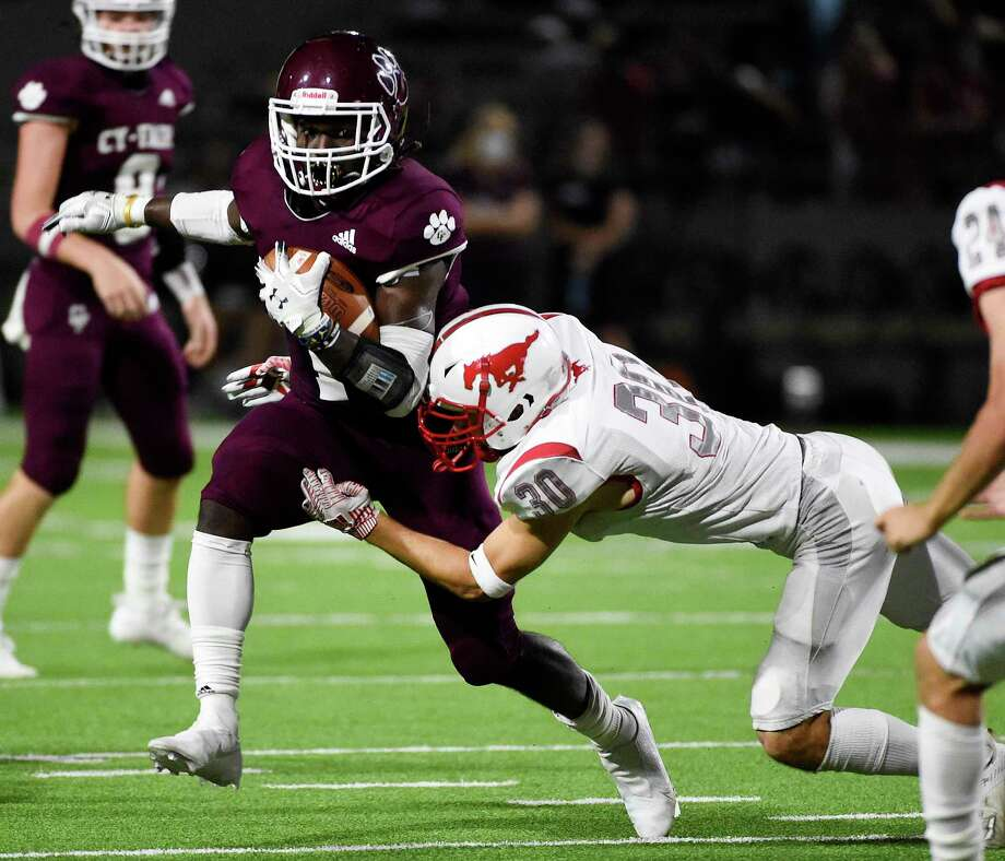 Cy-Fair running back L.J. Johnson, going against Memorial last season, is one of state's top uncommitted players. He is expected to sign on Wednesday. Texas A&M is the favorite over Texas. Photo: Eric Christian Smith / Contributor / Houston Chronicle