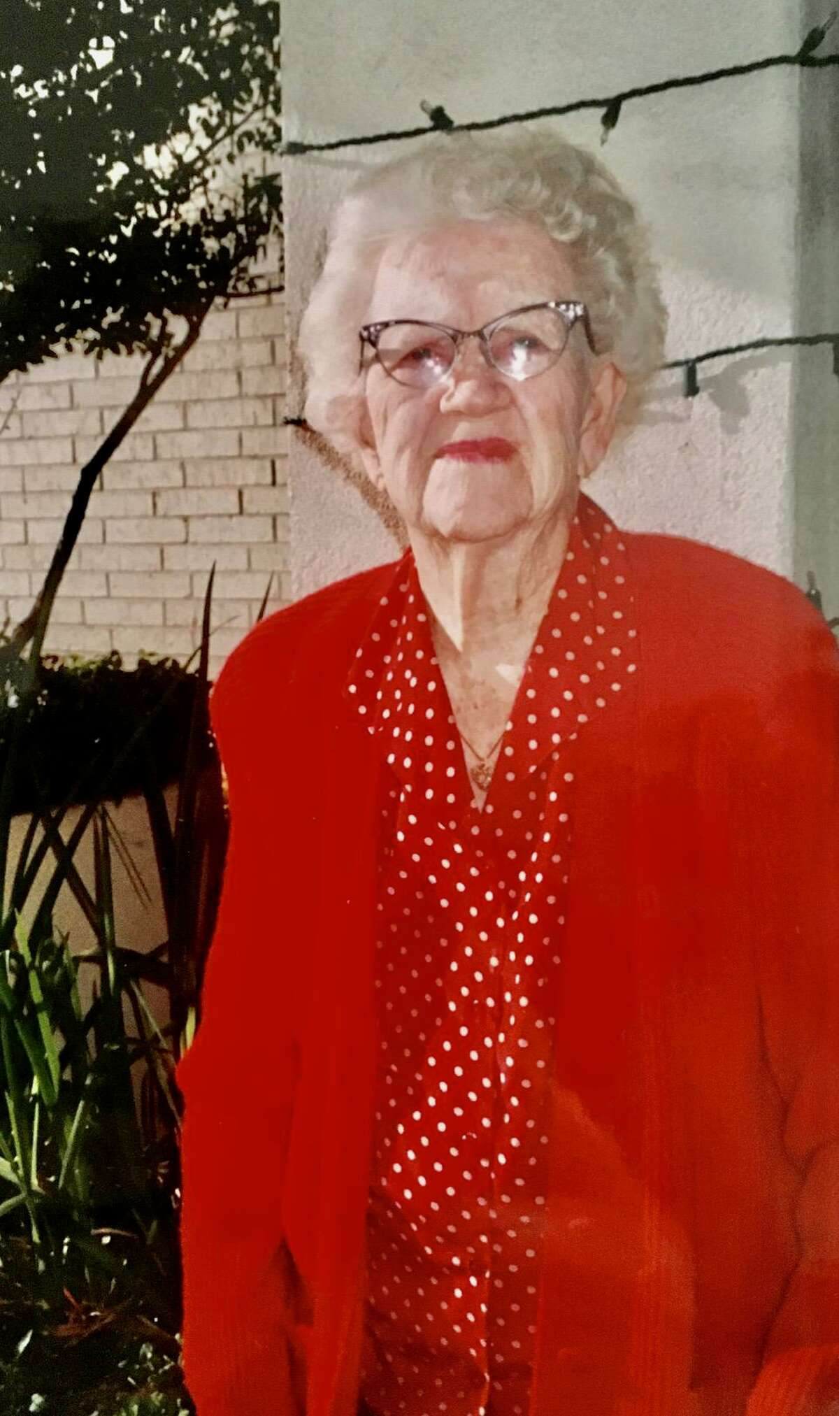 """?""""She was the only teacher who gave a darn about me,?"""" said Billy Joe Shaver, recalling English teacher Mabel Legg, who nurtured Shaver?'s writing talent."""
