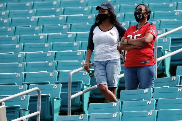 Houston Texans fans watch warm ups before an NFL football game at TIAA Bank Field Sunday, Nov. 8, 2020, in Jacksonville. Photo: Brett Coomer, Staff Photographer / © 2020 Houston Chronicle