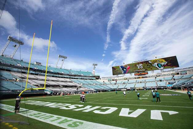 Houston Texans and Jacksonville Jaguars players warm up before an NFL football game at TIAA Bank Field Sunday, Nov. 8, 2020, in Jacksonville. Photo: Brett Coomer, Staff Photographer / © 2020 Houston Chronicle