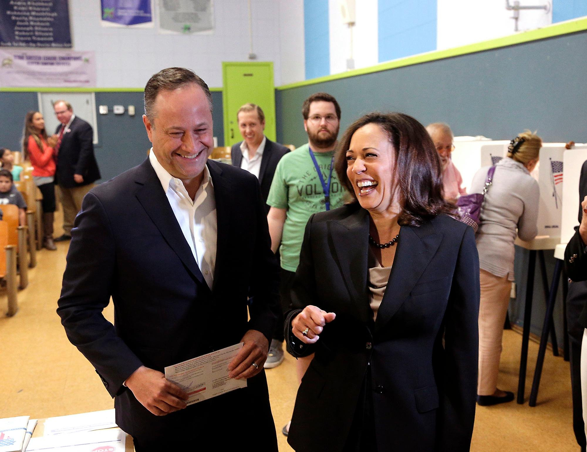 Who Is Doug Emhoff Quick Facts To Know About Vp Elect Kamala Harris Husband Sfchronicle Com