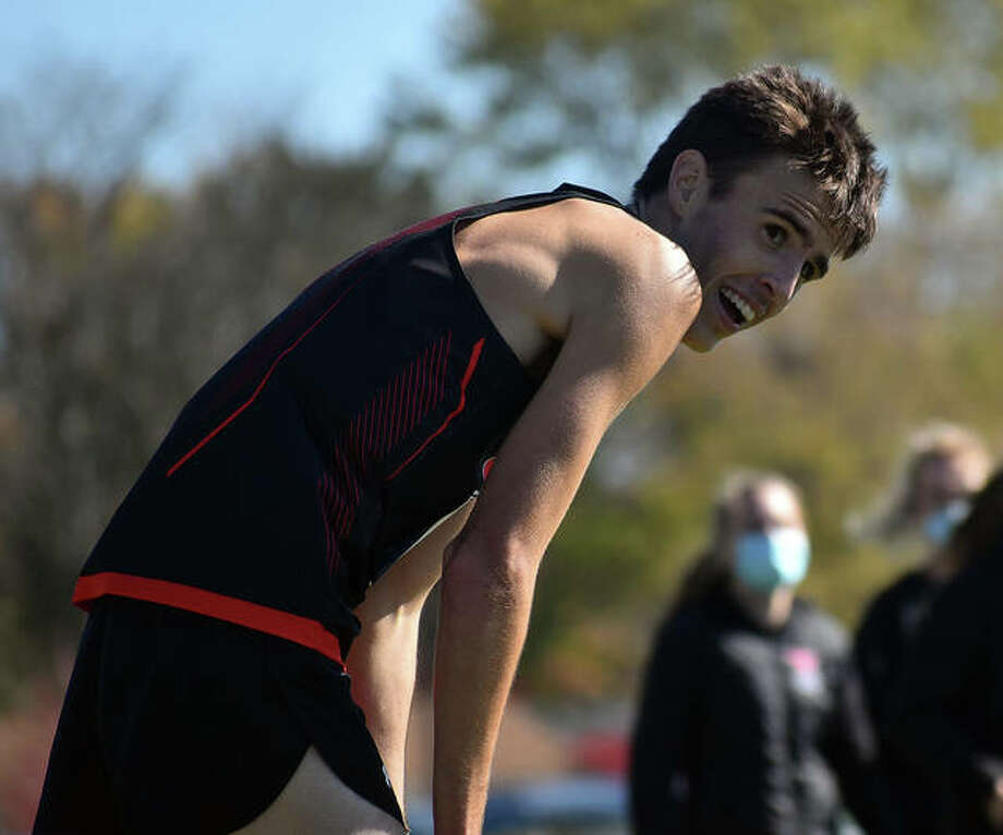 Edwardsville junior Ryan Watts catches his breath after winning the Normal Community Sectional a week ago. He took third at the ShaZam High School Championship on Sunday. Photo: Matt Kamp|The Intelligencer