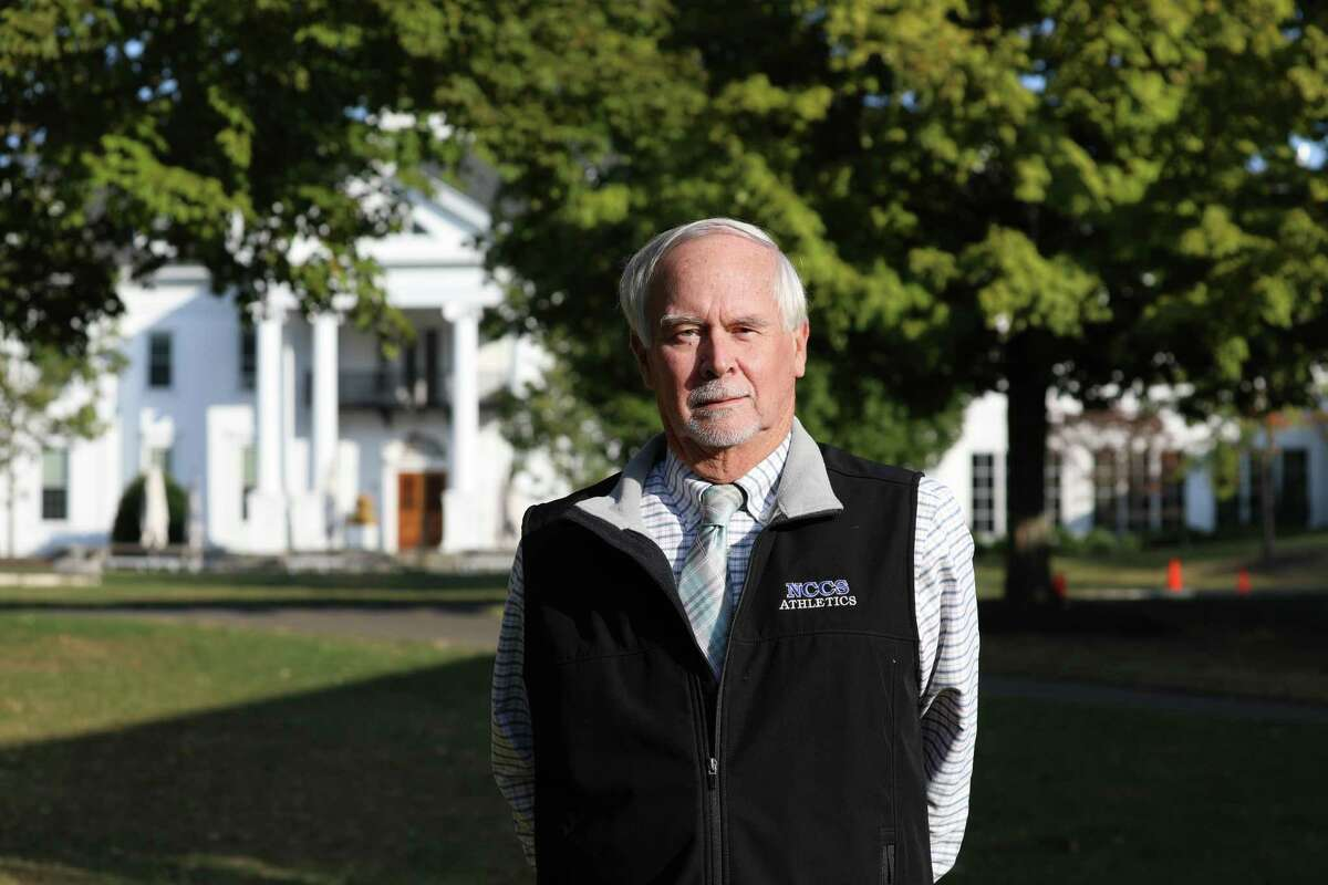Longtime educator Tom Giggi has been honored for 40 years of service at New Canaan Country School.