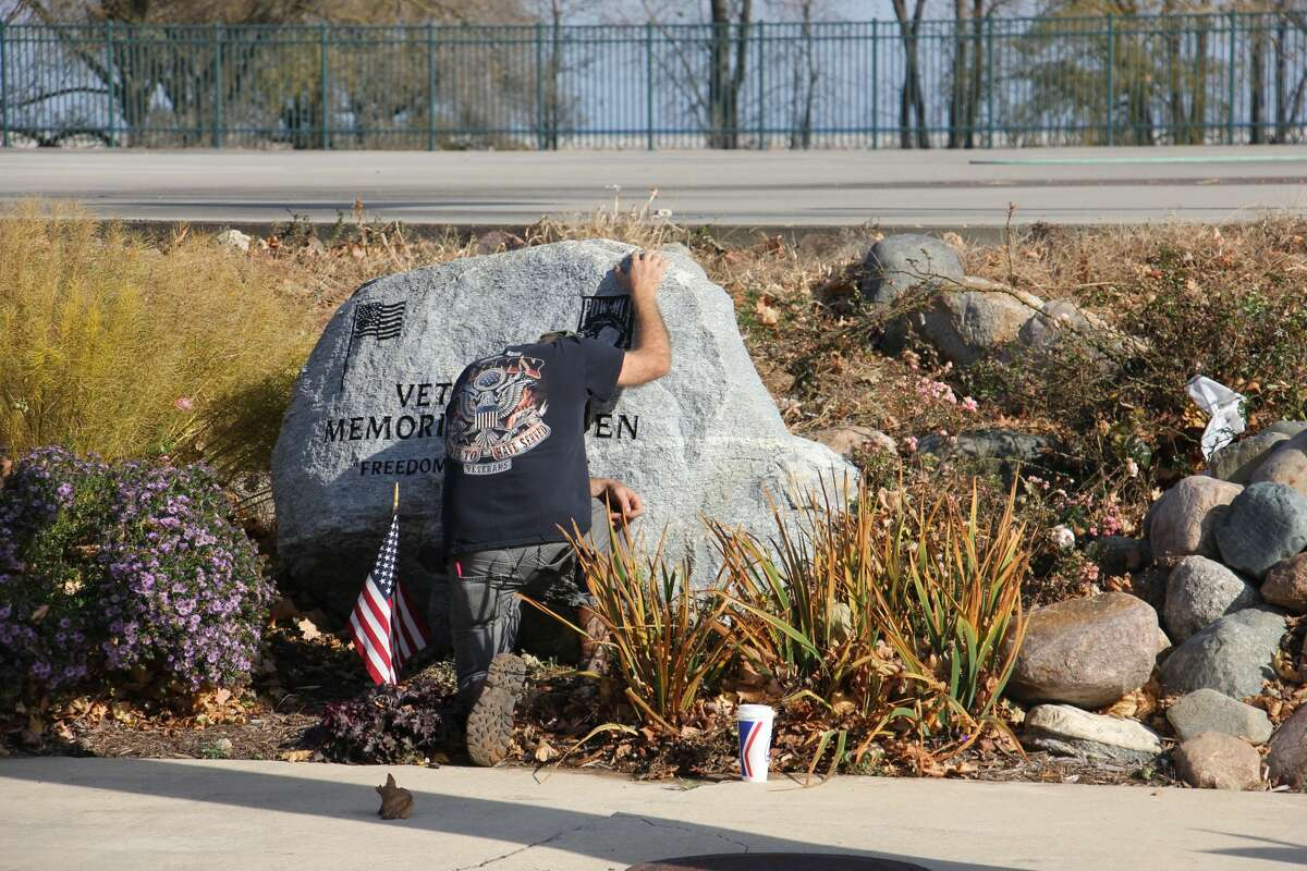 The Harbor Beach American Legion held a flag dedication ceremony on Saturday November 7, honoring those who have served in the country's armed forces and those who have lost their lives doing so.