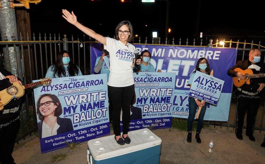Laredo City Council District VIII candidate Alyssa Cigarroa thanks her supporters, Thursday, outside her campaign headquarters. Cigarroa will be in a December run-off election. Photo: Danny Zaragoza /Laredo Morning Times
