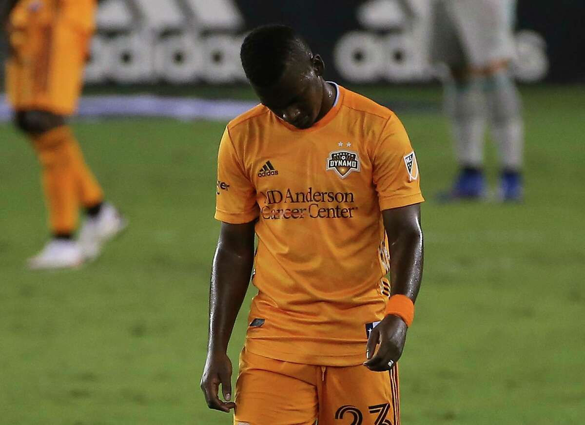 Dynamo forward Darwin Quintero was unable to finish Sunday's season finale after suffering an abductor strain in the 39th minute.