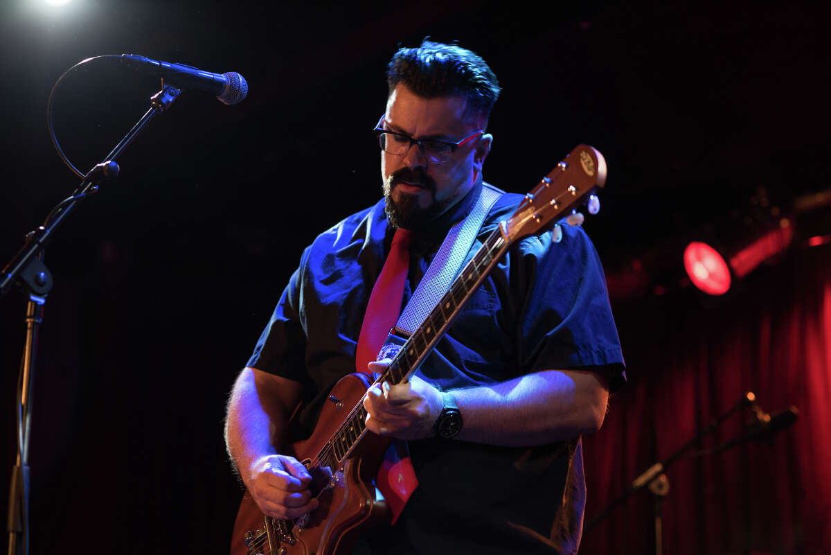 J. Blake Ficera playing at BB King's Blues Club.