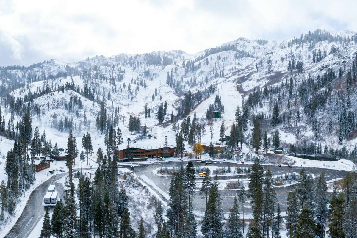 Alpine Meadows received 9 inches of snow Sunday at higher elevations. There were a total of 11 inches at the peaks, with 5-8 inches total at the bases over the weekend.