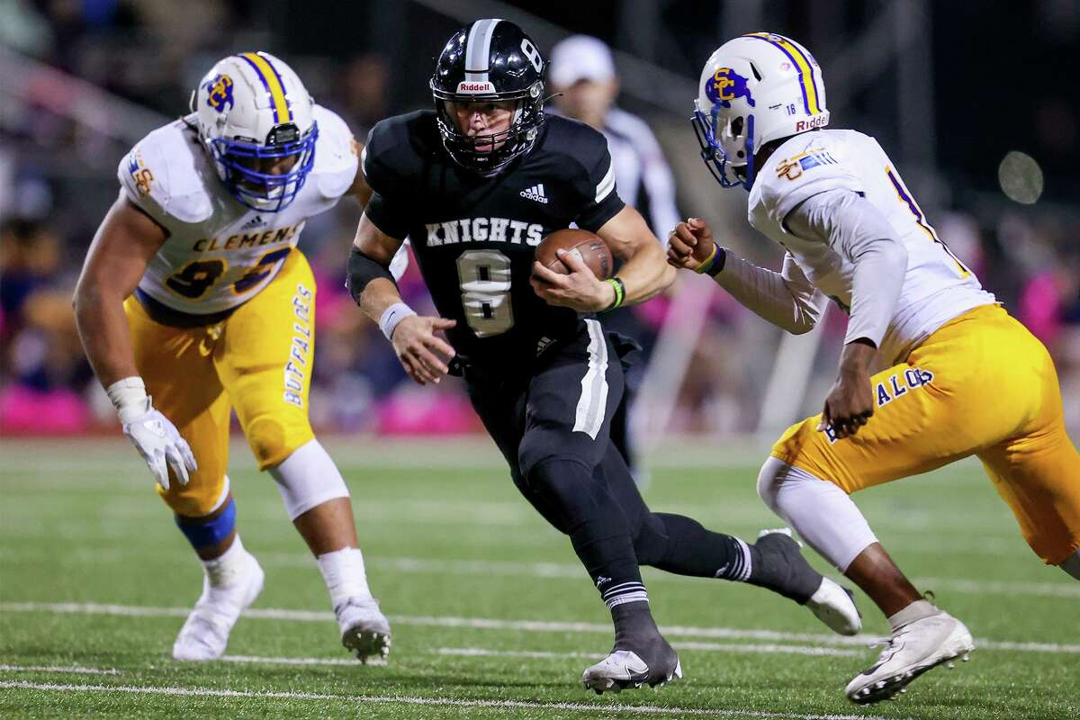 Quarterback Wyat Begeal (8) helped account for six touchdowns in Steele's rout of Wagner last week.
