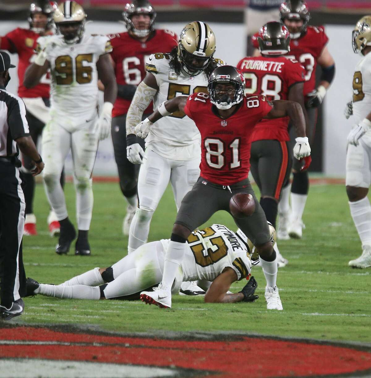 Tampa Bay Buccaneers wide receiver Antonio Brown (81) celebrates a reception in the third quarter against the New Orleans Saints on Sunday, Nov. 8, 2020 at Raymond James Stadium in Tampa, Florida. (Doug Clifford/Tampa Bay Times/TNS)