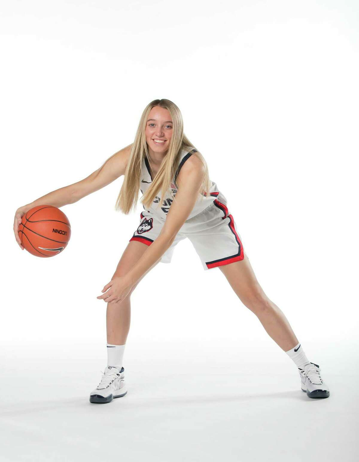 UConn freshman guard Paige Bueckers is on the Nancy Lieberman Award watch list.