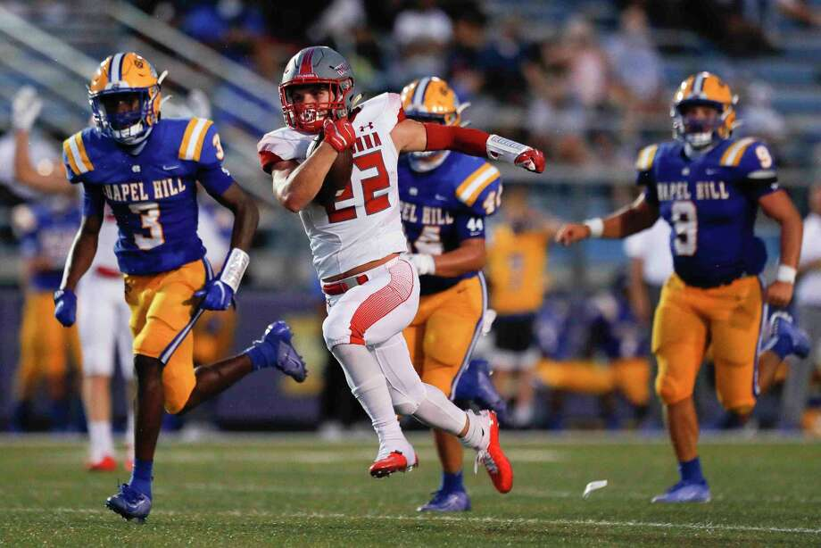 Splendora running back Zane Obregon (22) was a first-team all-district selection. Photo: Jason Fochtman, Houston Chronicle / Staff Photographer / 2020 © Houston Chronicle