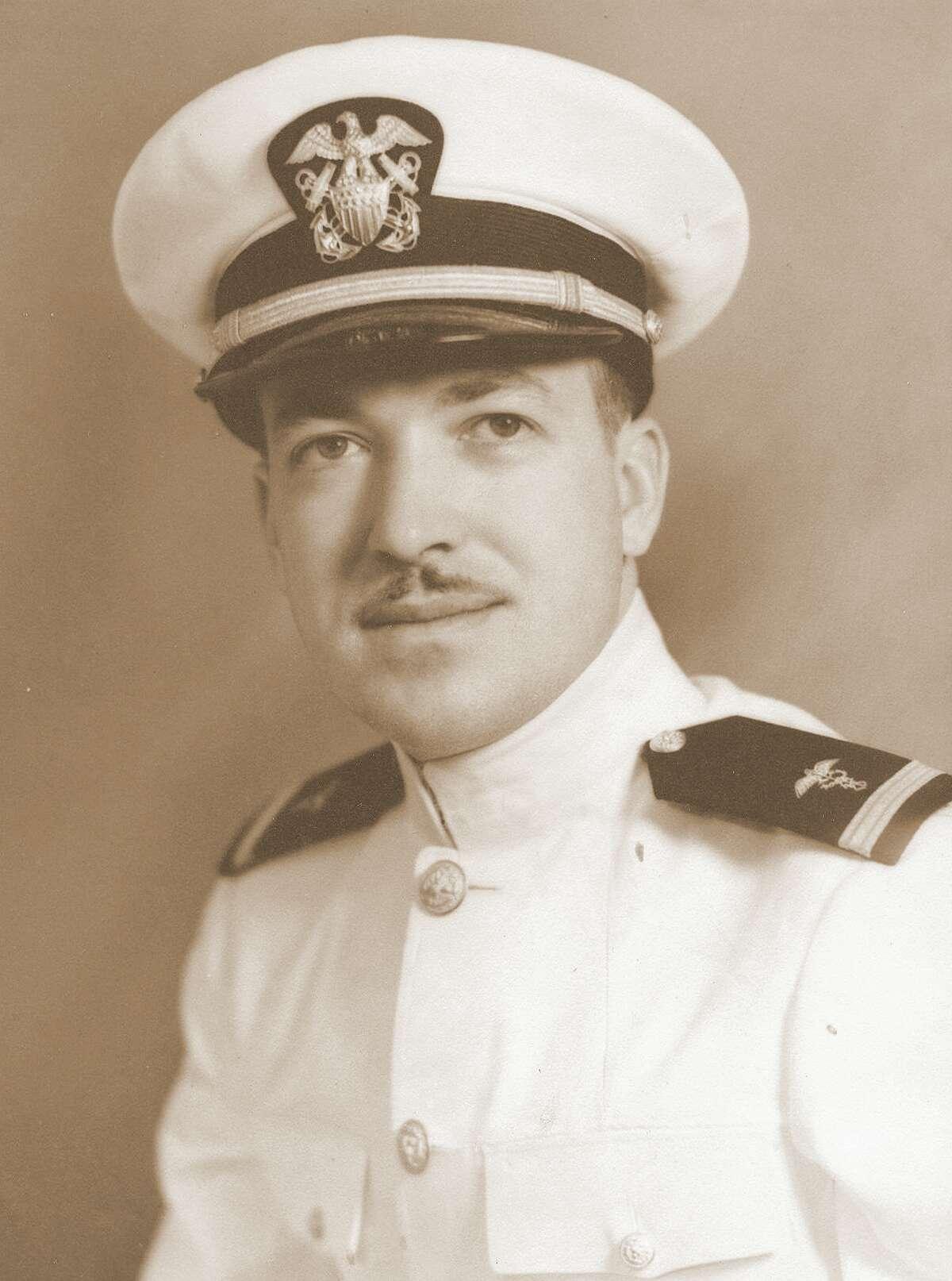 Gavin Telfer, LT, U.S. Navy