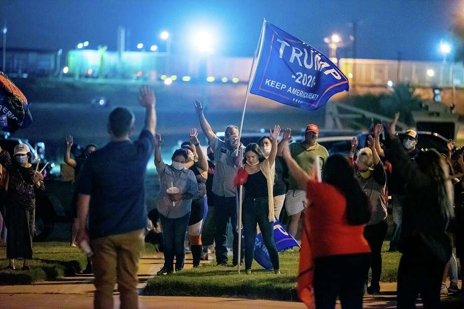Supporters of President Donald Trump gather at Tres Laredos Park on Monday, Nov. 9 to pray for the president and America during a prayer rally. Photo: Danny Zaragoza / Laredo Morning Times