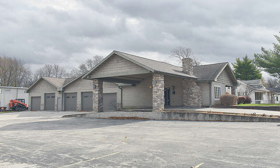 Mayor Andy Ezard is working on an agreement that would let the city lease this property at 948 N. Main St. for shelter for the homeless. Photo: Marco Cartolano | Journal-Courier