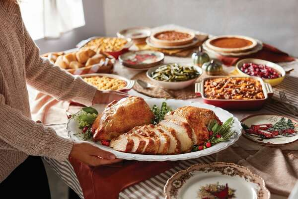 2) Cracker Barrel: This year, Cracker Barrel is offering a heat-and-serve roast turkey breast (serves 4 to 6; $34.99). You can add individual sides and pies or order the complete Thanksgiving heat-and-eat feast, which includes two turkey breasts, dressing, gravy, cranberry relish, three sides, yeast rolls, and pumpkin and pecan pies. It simply could not be easier (or more delicious!).