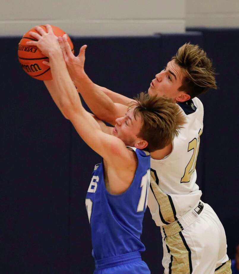 New Caney guard Ethan Brandon (10) is one of the top returning players for the Eagles this season. Photo: Jason Fochtman, Houston Chronicle / Staff Photographer / Houston Chronicle