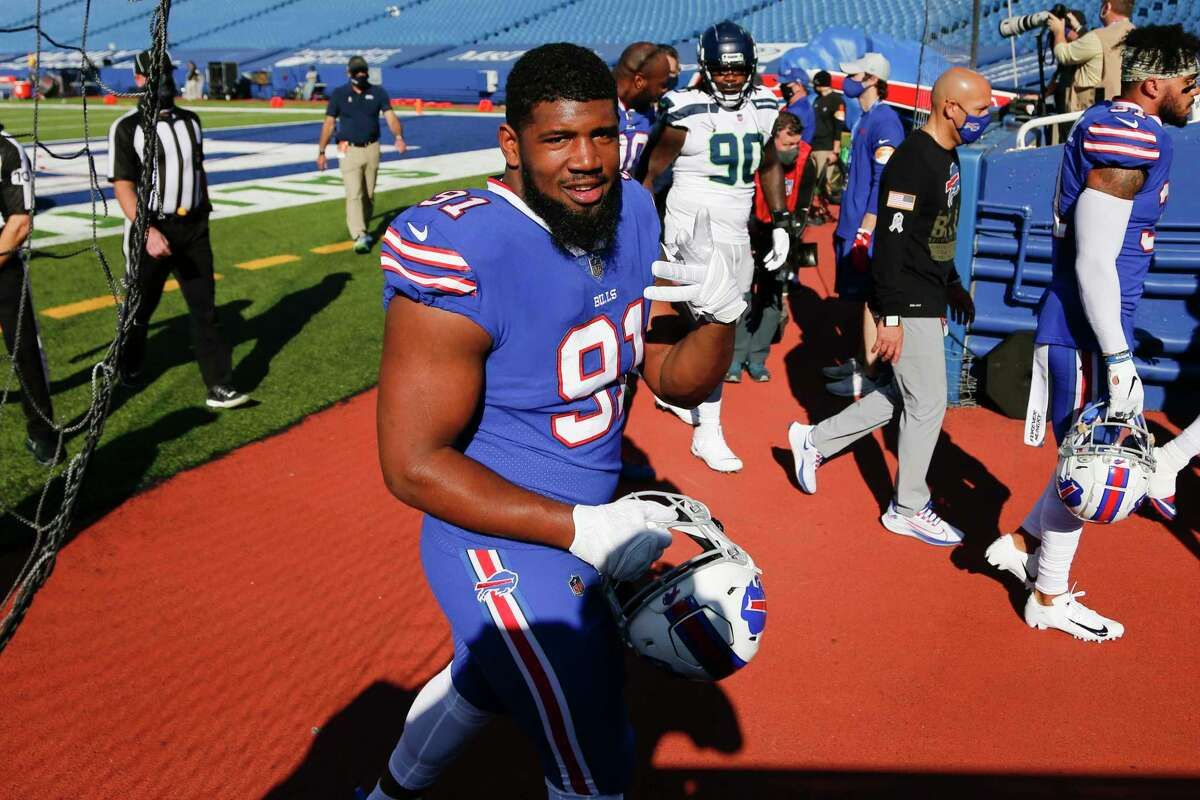 Ed Oliver and the Bills improved to 7-2 atop the AFC East after Sunday's win over the Seahawks.