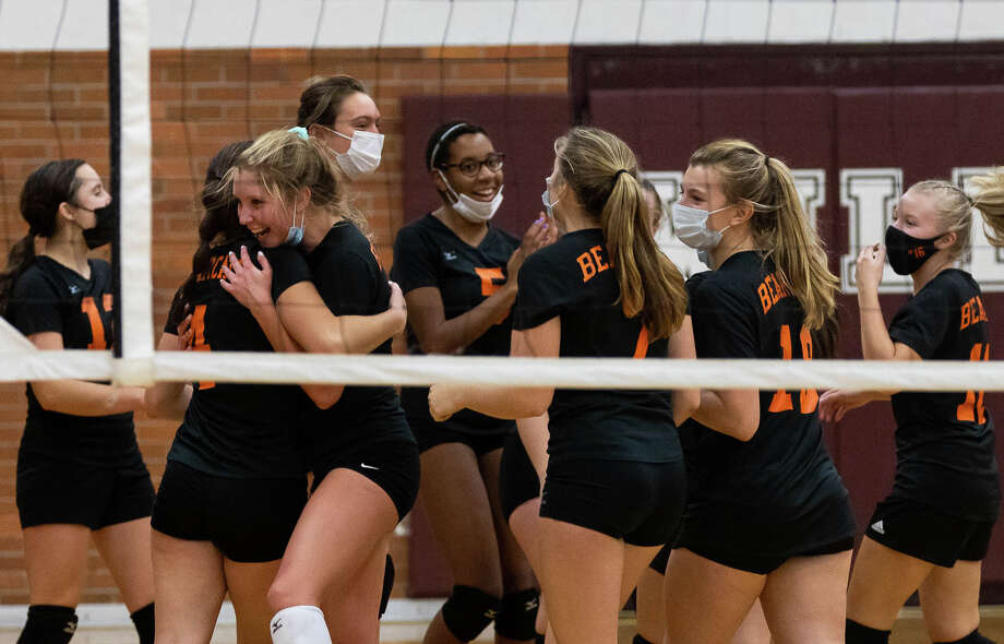 The Ubly varsity volleyball team swept Genesee Christian on Tuesday and earned a trip the regional finals at Mayville High School. Photo: Quad N Productions/For The Tribune  / Quad N Productions
