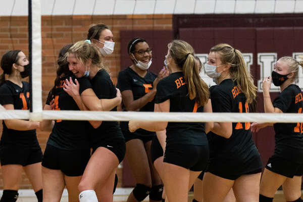 The Ubly varsity volleyball team swept Genesee Christian on Tuesday and earned a trip the regional finals at Mayville High School.