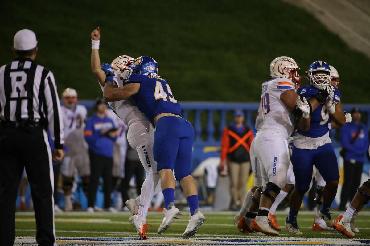 Kyle Harmon playing against Boise State