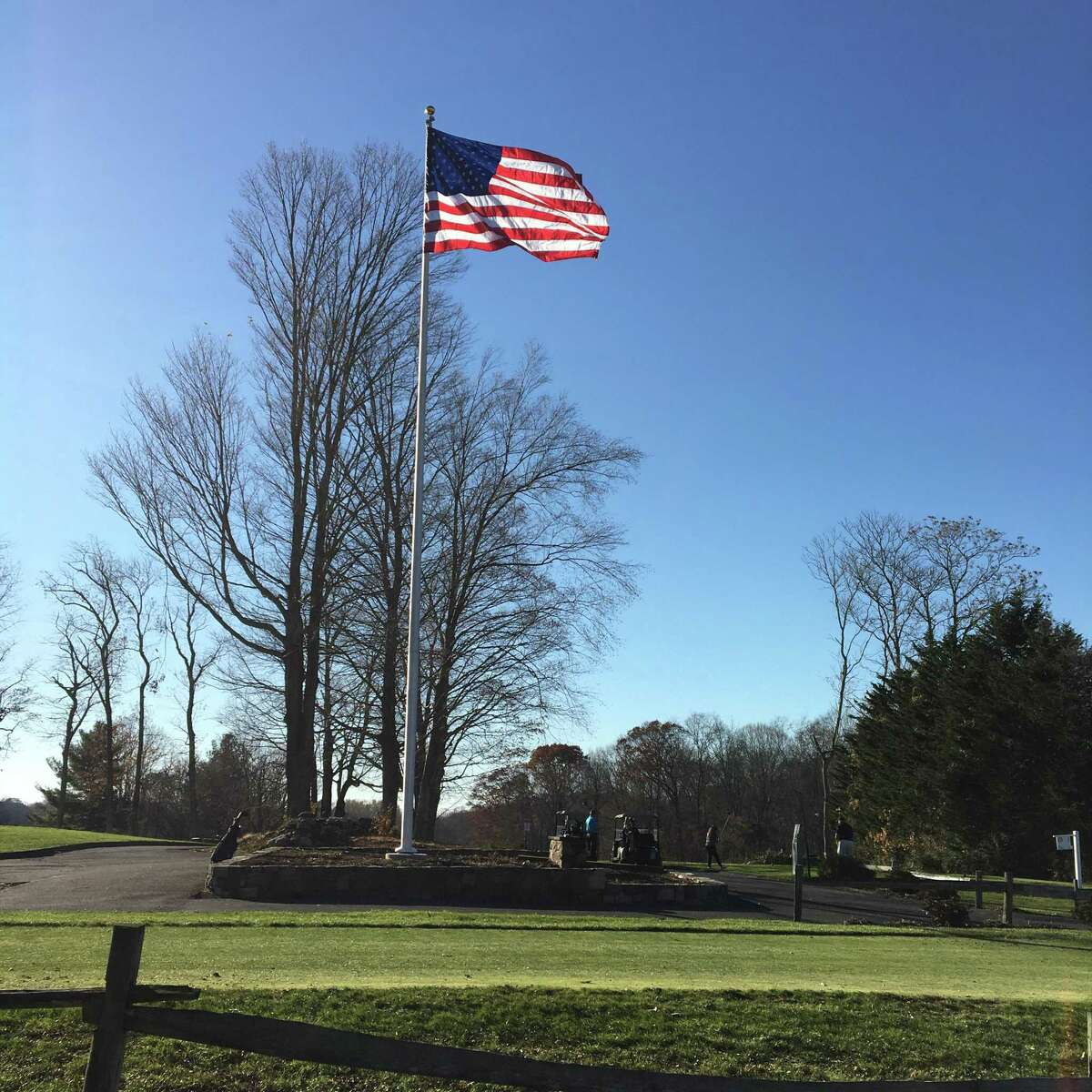 The Tashua Knolls Senior Men's Club recently donated a 50-foot flagpole to the Tashua Knolls Golf Course. It is dedicated to honor veterans and deceased members of the club.