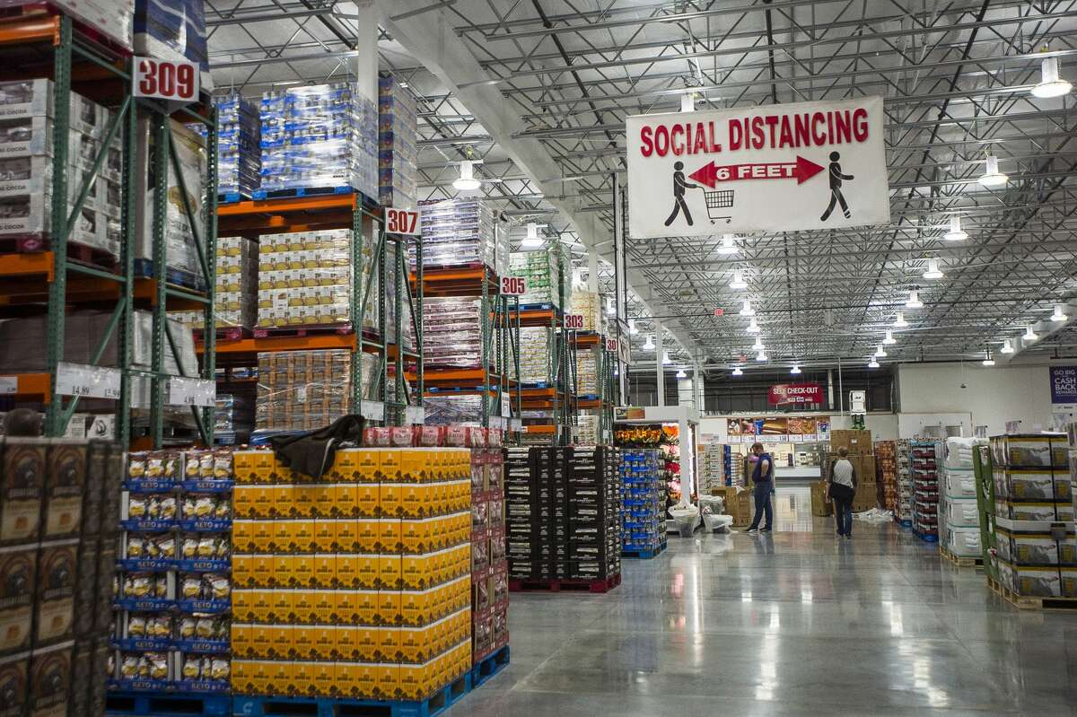 The Costco at 4816 Bay City Rd. is set to open at 8 a.m. Thursday, Nov. 12, 2020. (Katy Kildee/kkildee@mdn.net)