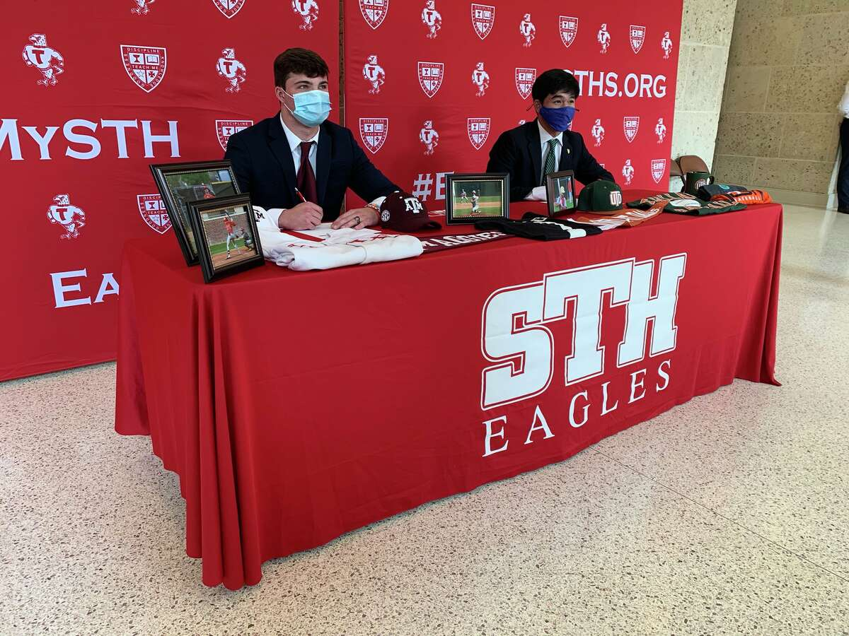 St. Thomas' Will Rizzo signed a baseball scholarship with Texas A&M.