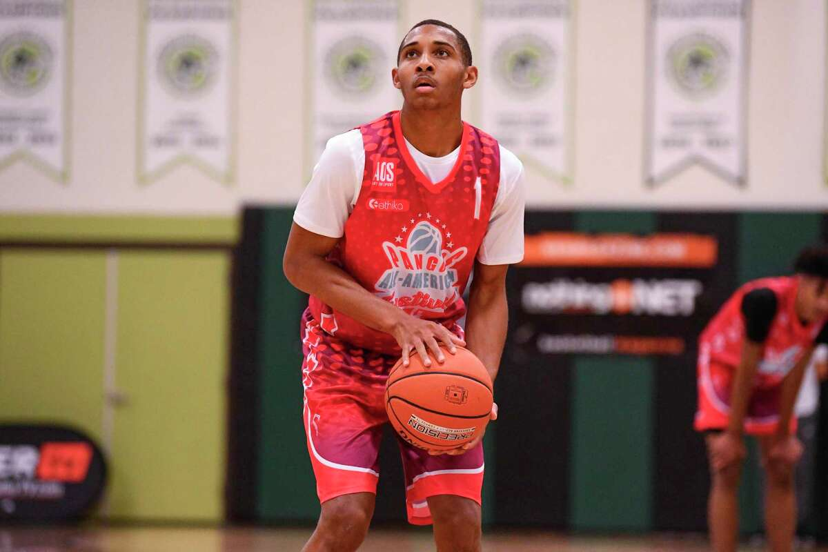 CHANDLER, AZ - NOVEMBER 07: Rahsool Diggins, from Archbishop Wood High School, shoots a free throw during the Pangos All-American Festival on November 7, 2020 at AZ Compass Prep in Chandler, AZ. (Photo by Brian Rothmuller/Icon Sportswire via Getty Images)