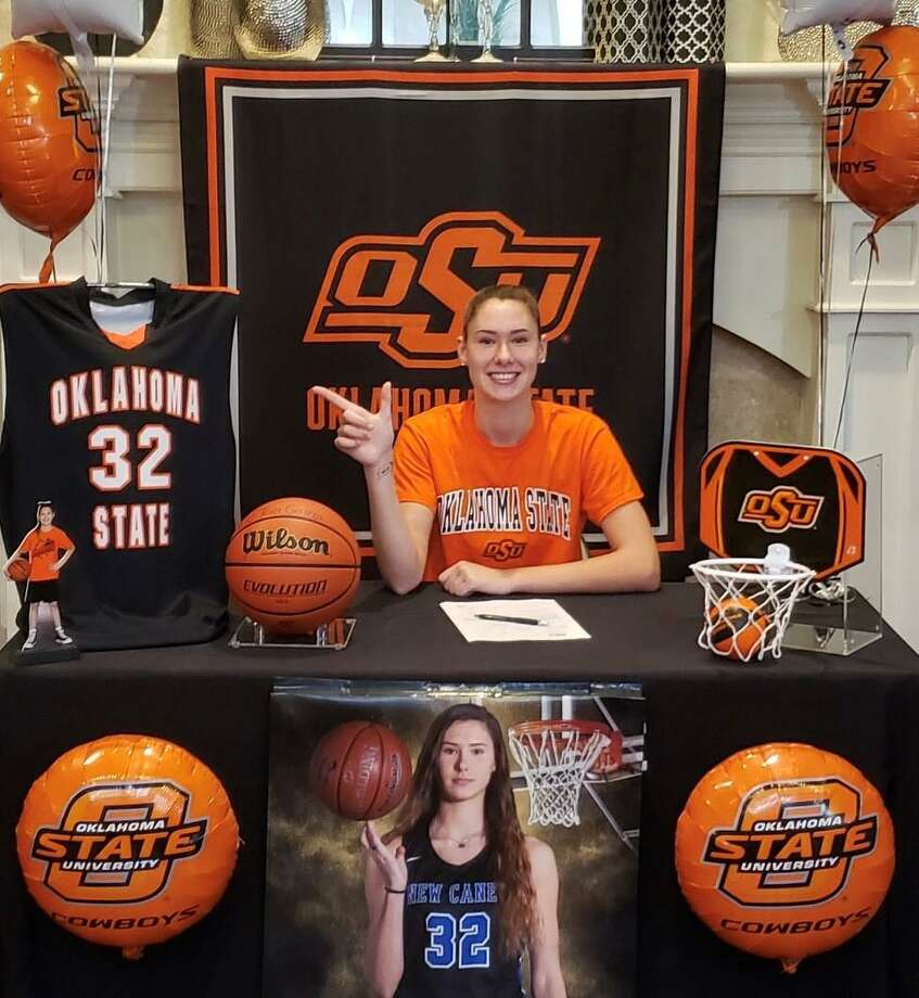 New Caney basketball player Tori Garza signed her national letter of intent to play at Oklahoma State on Wednesday, Nov. 11, 2020. Photo: Submitted Photo