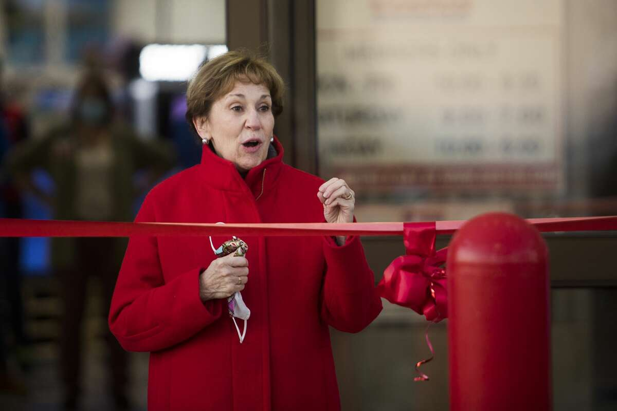 Mayor Maureen Donker speaks during a ribbon cutting ceremony for the new Costco Thursday, Nov. 12, 2020 at 4816 Bay City Rd. in Midland. (Katy Kildee/kkildee@mdn.net)