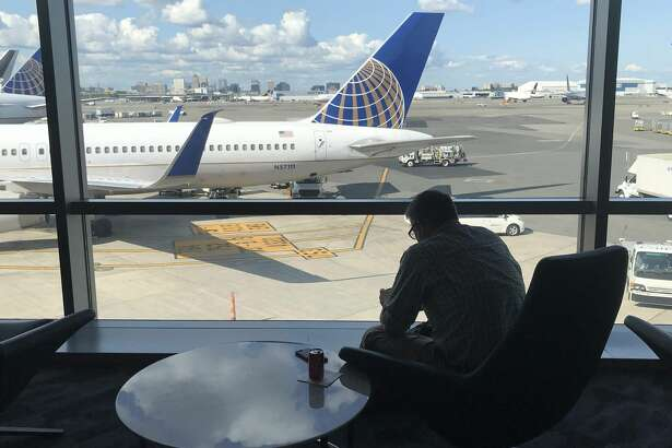 United tosses top fliers a bone with bevy of bonuses