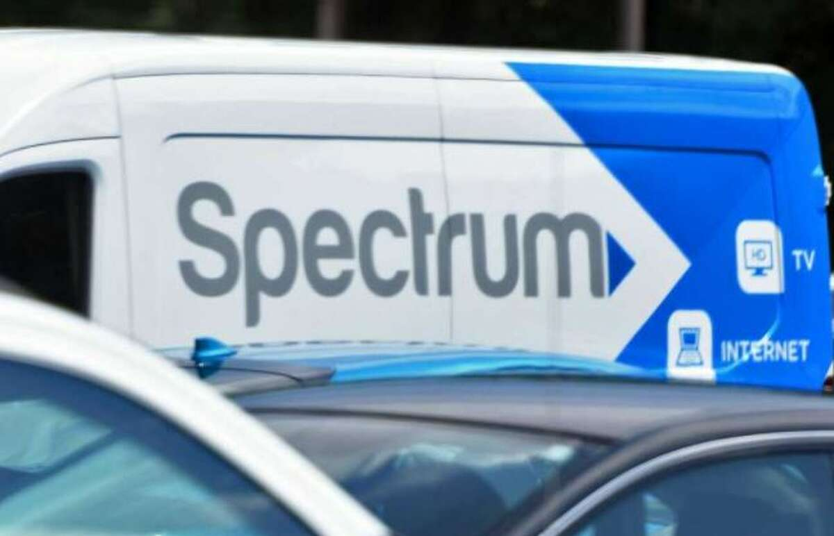 Spectrum is reorganizing its local cable newsroom.