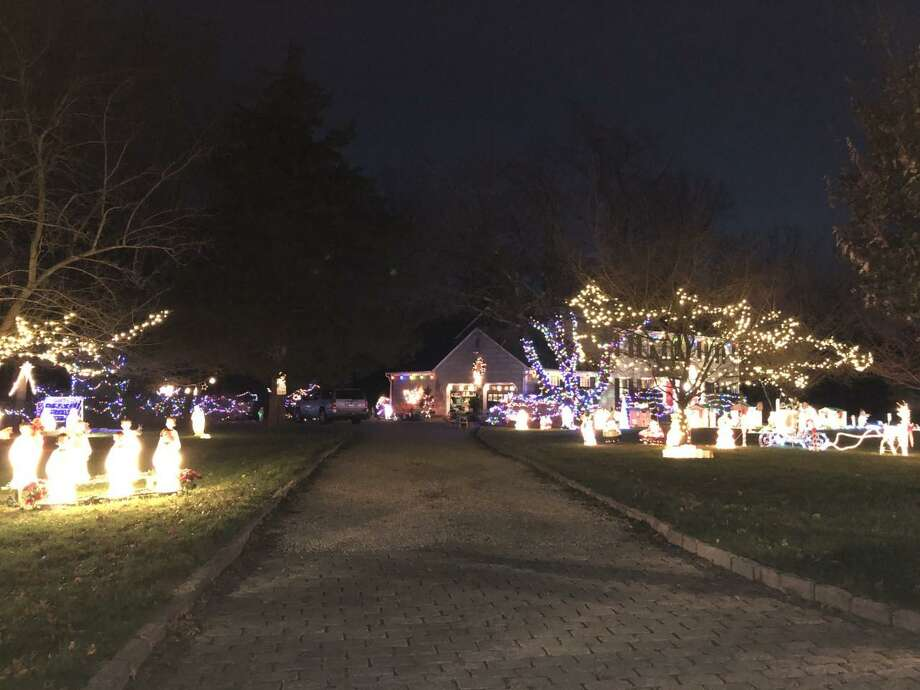 """The goal of the """"Wilton Bright Lights"""" initiative, promoted by the Wilton Youth Council's Free Play Task Force, is to bring """"hope and joy in the dark"""" days of winter. Photo: Vanessa Elias / Contributed Photo / Wilton Bulletin Contributed"""