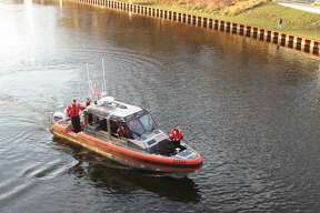 An SUV reportedly went into the Manistee River Channel around 3 p.m. on Nov. 12, 2020, near the Manistee Inn and Marina, off of River Street. Multiple police and rescue agencies are on-scene.