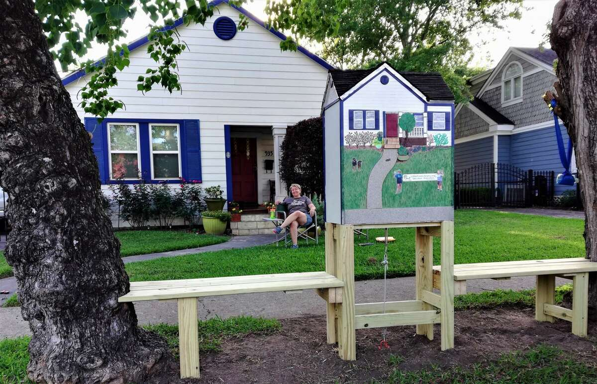 Toni and Christine Loyacano's LFL is a mini replica of their home.